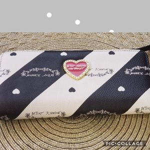 Brand new Betsey Johnson black and white wallet